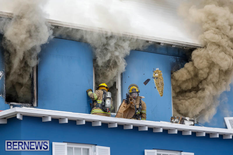 Robertson's-Drug-Store-Fire-Bermuda-September-2-2017_7944