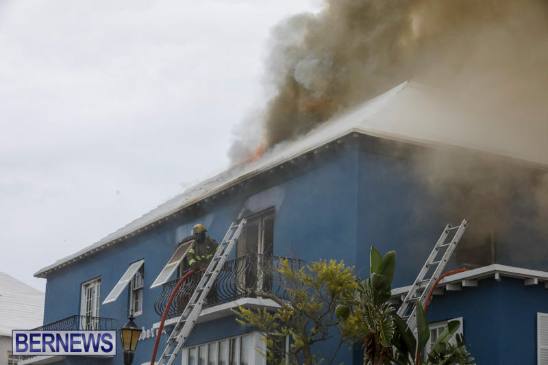 Robertson's-Drug-Store-Fire-Bermuda-September-2-2017_8043