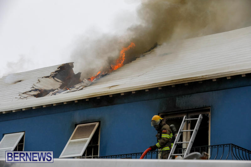 Robertson's-Drug-Store-Fire-Bermuda-September-2-2017_8045