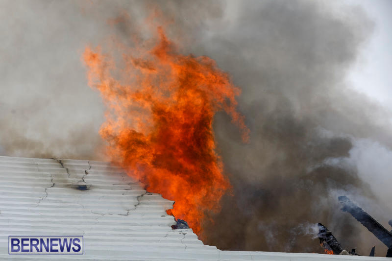 Robertson's-Drug-Store-Fire-Bermuda-September-2-2017_8113