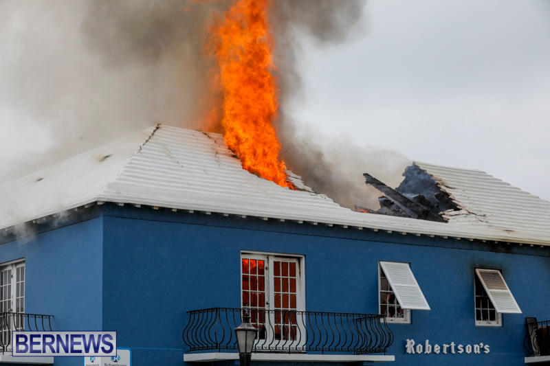 Robertson's-Drug-Store-Fire-Bermuda-September-2-2017_8124