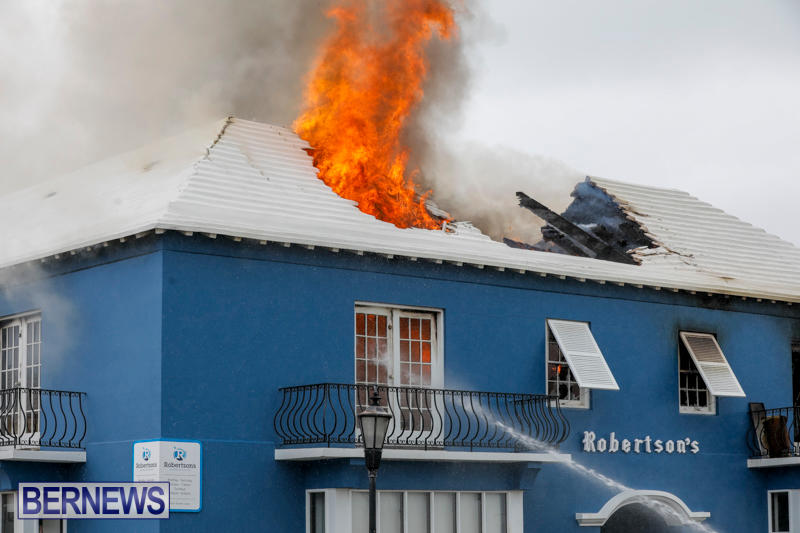 Robertson's-Drug-Store-Fire-Bermuda-September-2-2017_8135
