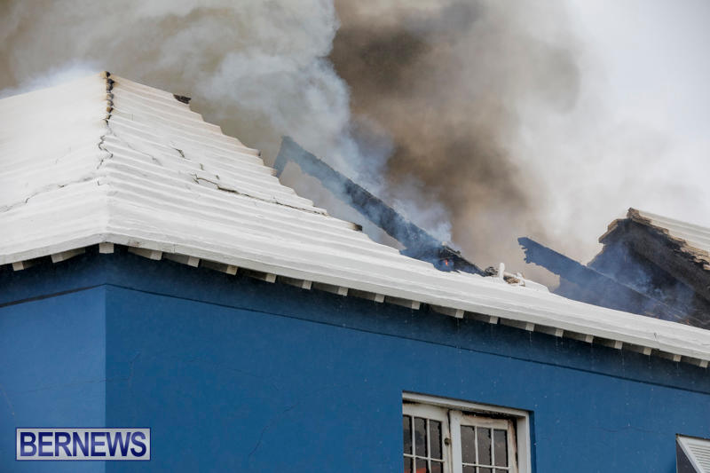 Robertson's-Drug-Store-Fire-Bermuda-September-2-2017_8224