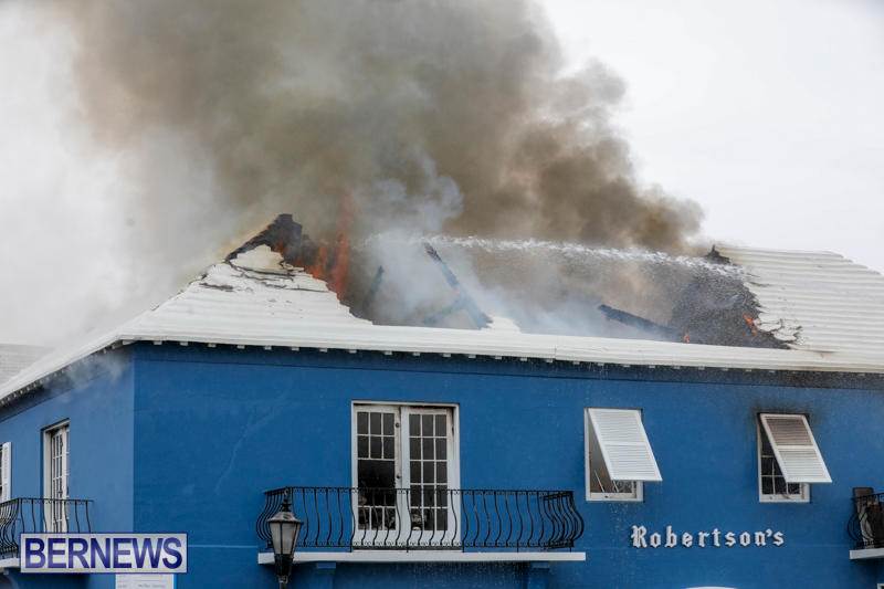 Robertson's-Drug-Store-Fire-Bermuda-September-2-2017_8243