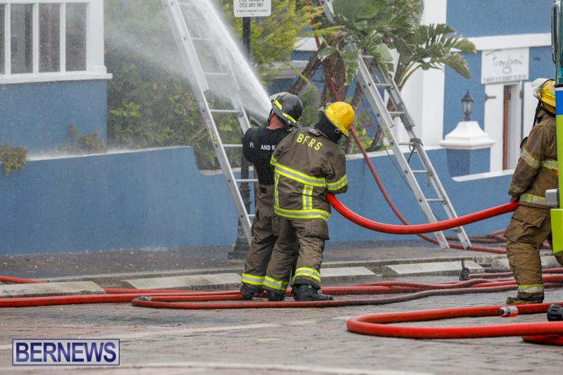 Robertson's-Drug-Store-Fire-Bermuda-September-2-2017_8263