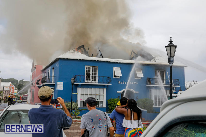 Robertson's-Drug-Store-Fire-Bermuda-September-2-2017_8279