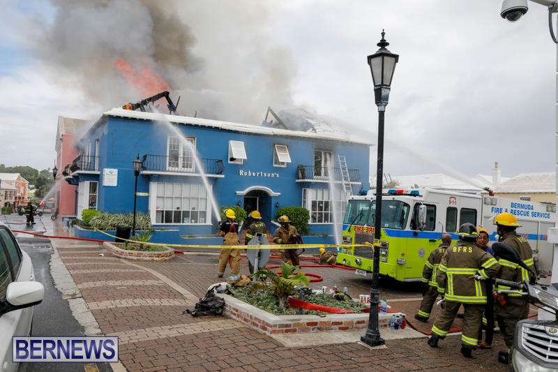 Robertson's-Drug-Store-Fire-Bermuda-September-2-2017_8293