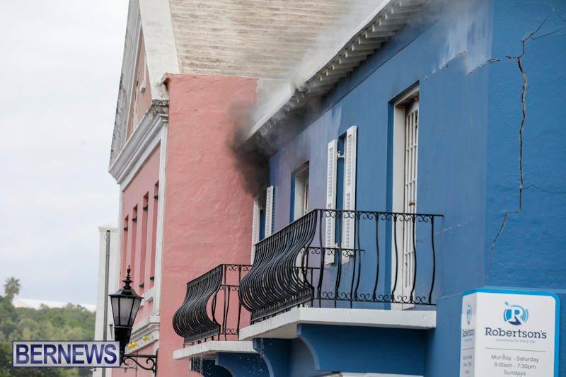 Robertson's-Drug-Store-Fire-Bermuda-September-2-2017_8294