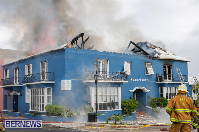 Robertson's-Drug-Store-Fire-Bermuda-September-2-2017_8317