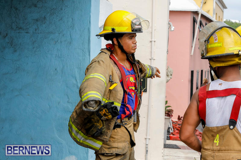 Robertson's-Drug-Store-Fire-Bermuda-September-2-2017_8379
