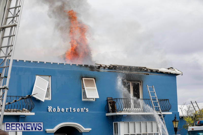 Robertson's-Drug-Store-Fire-Bermuda-September-2-2017_8446