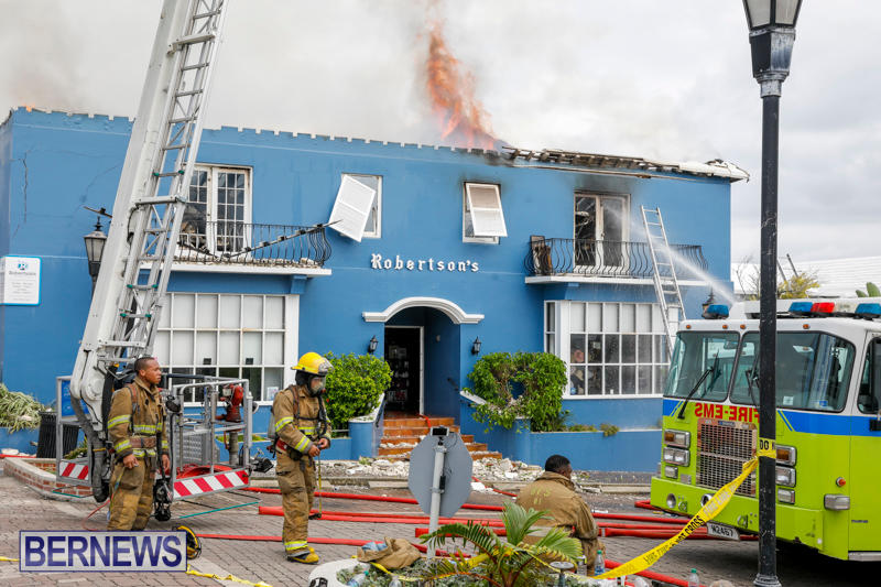 Robertson's-Drug-Store-Fire-Bermuda-September-2-2017_8456