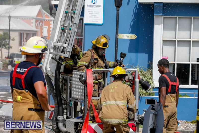 Robertson's-Drug-Store-Fire-Bermuda-September-2-2017_8498