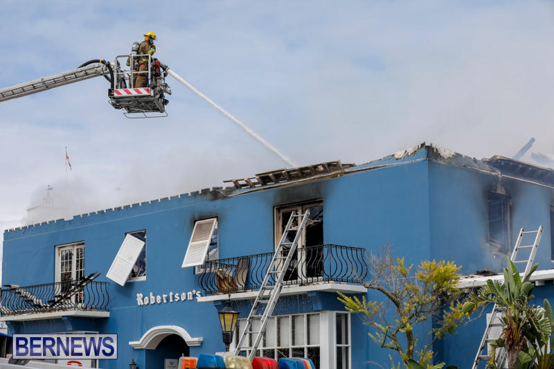 Robertson's-Drug-Store-Fire-Bermuda-September-2-2017_8639