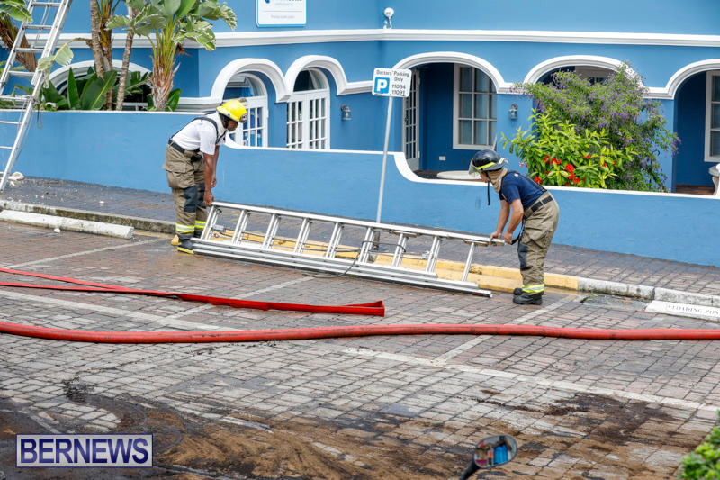 Robertson's-Drug-Store-Fire-Bermuda-September-2-2017_8644