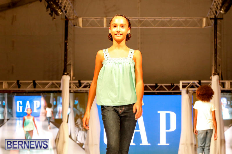 Bermuda-Fashion-Festival-Evolution-Retail-Show-H-October-29-2017_1758