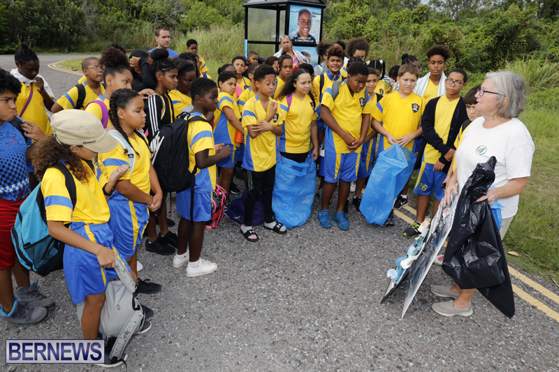Clearwater Students Clean Up Bermuda Oct 6 2017 (10)