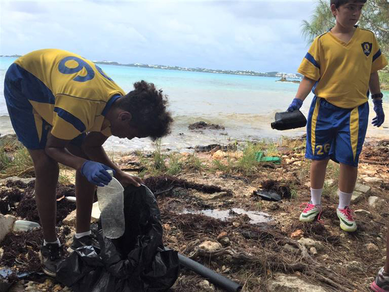 Clearwater Students Community Cleanup Bermuda Oct 6 2017 (1)