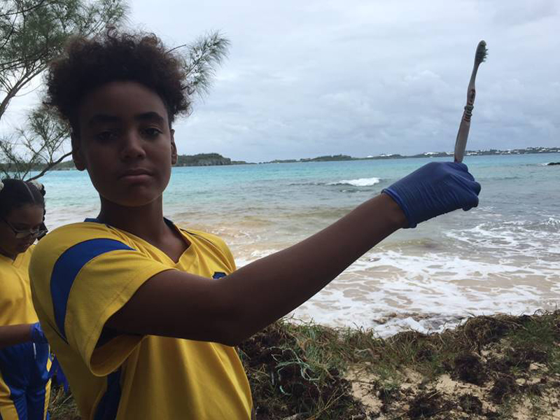 Clearwater Students Community Cleanup Bermuda Oct 6 2017 (4)