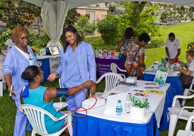 Health Minister Celebrating Wellness Bermuda Oct 2017 (6)