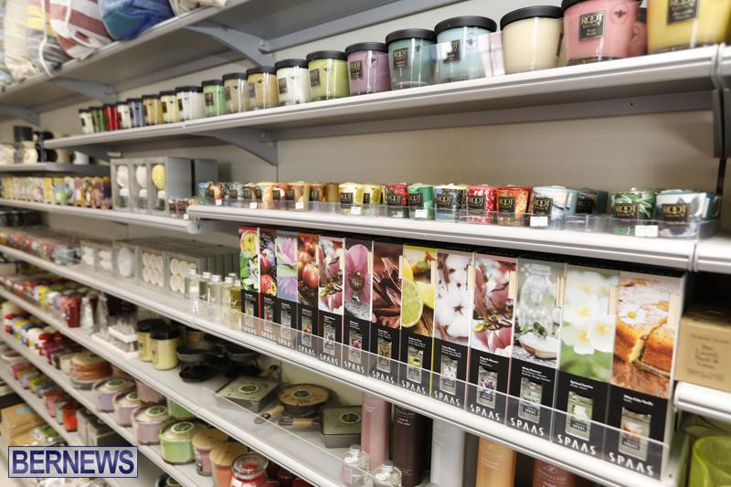 Robertson's-Drug-Store-Bermuda-Oct-17-2017-16
