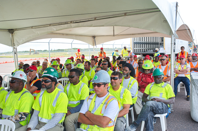 Skyport Celebrates Safety Week With Aecon Bermuda Oct 5 2017  (1)