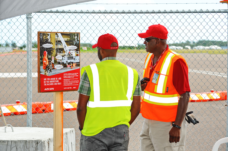 Skyport Celebrates Safety Week With Aecon Bermuda Oct 5 2017  (3)