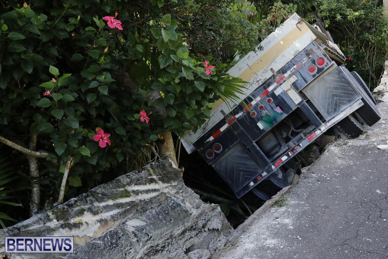 Collision Bermuda Nov 15 2017 (1)