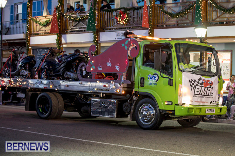 Marketplace-Christmas-Parade-Bermuda-November-26-2017_1492