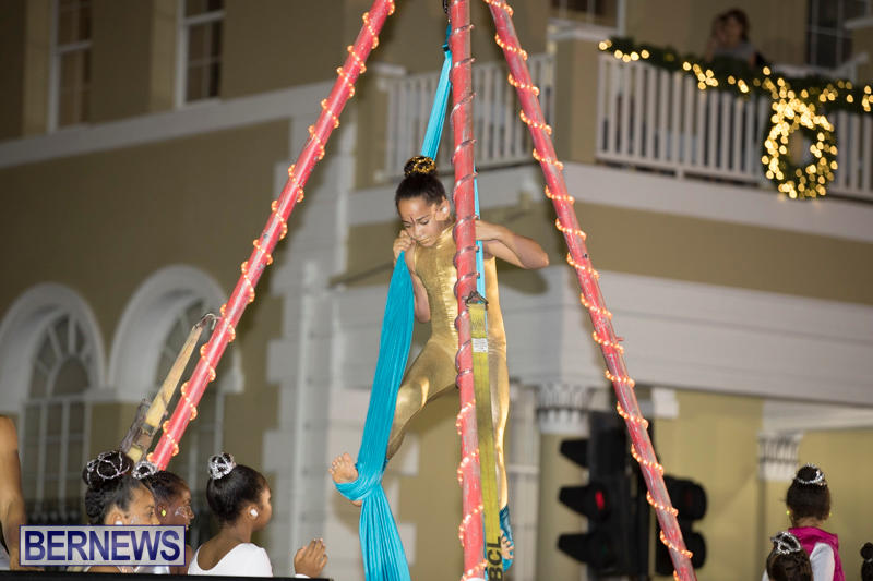 Marketplace-Christmas-Parade-Bermuda-November-26-2017_1735