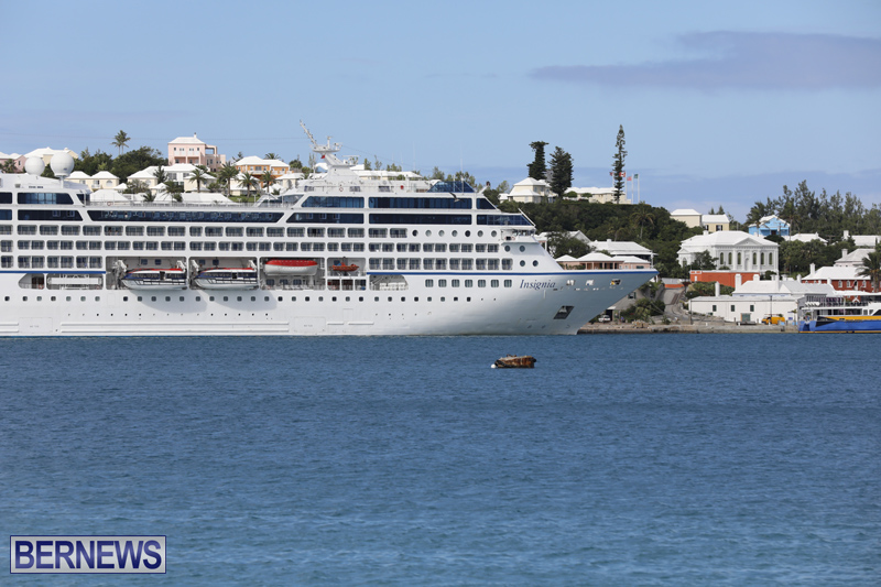 Passenger ship Insignia Bermuda Nov 1 2017 (1)