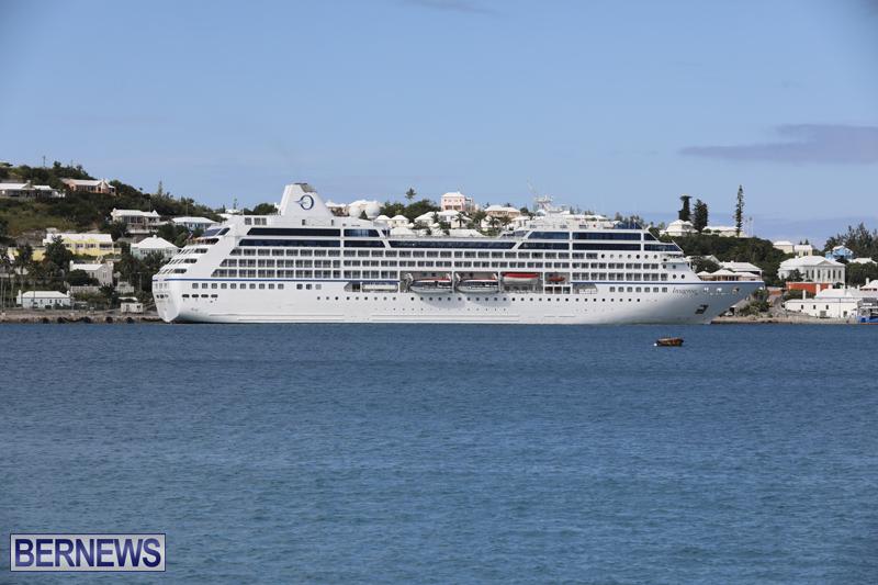 Passenger ship Insignia Bermuda Nov 1 2017 (2)