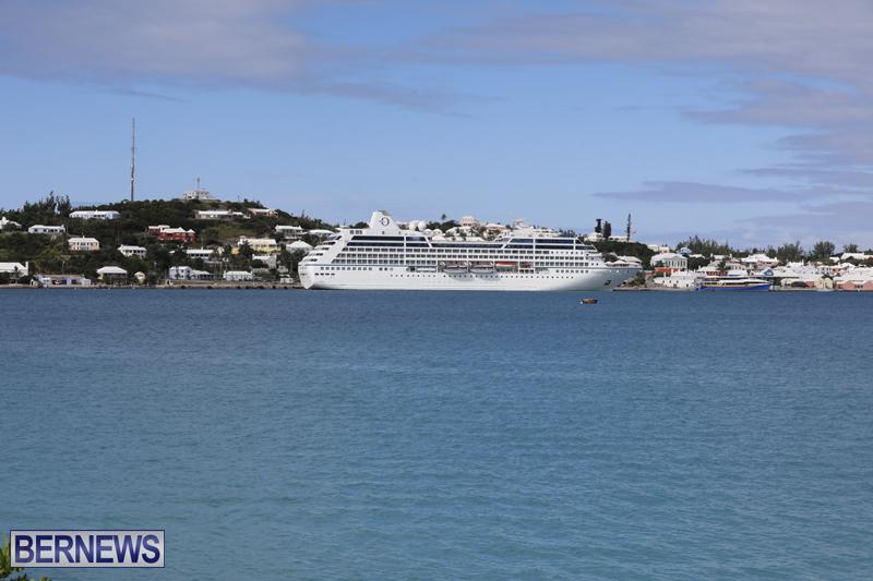 Passenger ship Insignia Bermuda Nov 1 2017 (3)