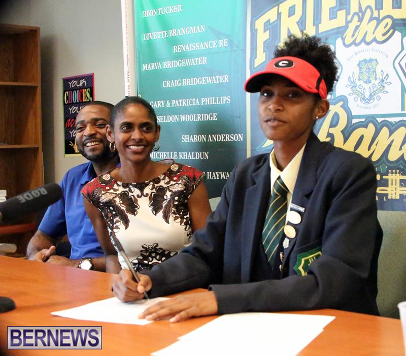 Sakari Famous Bermuda Nov 9 2017