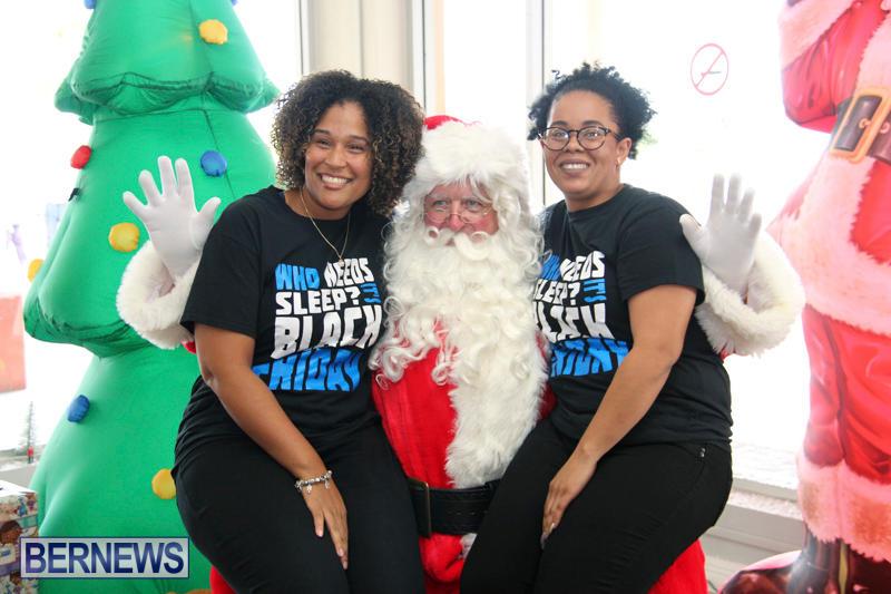 Santa Arrives At Airport Bermuda, December 24 2017_2-12