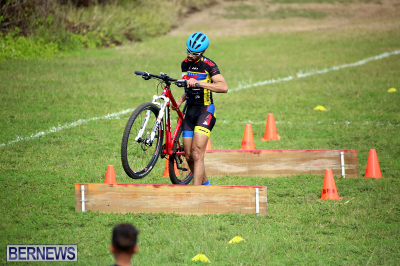 Bermuda-Cyclocross-Shelly-Bay-Field-Dec-3-2017-11