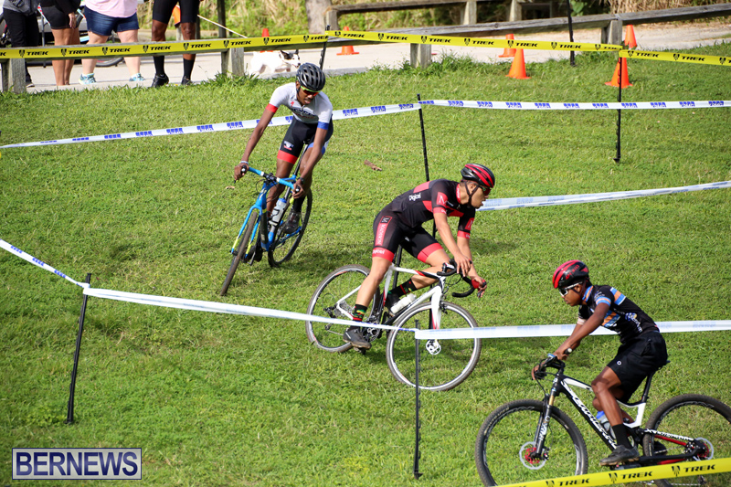 Bermuda-Cyclocross-Shelly-Bay-Field-Dec-3-2017-19