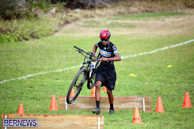 Bermuda-Cyclocross-Shelly-Bay-Field-Dec-3-2017-4