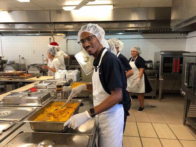 Clarien Meals On Wheels Bermuda Dec 2017 (3)