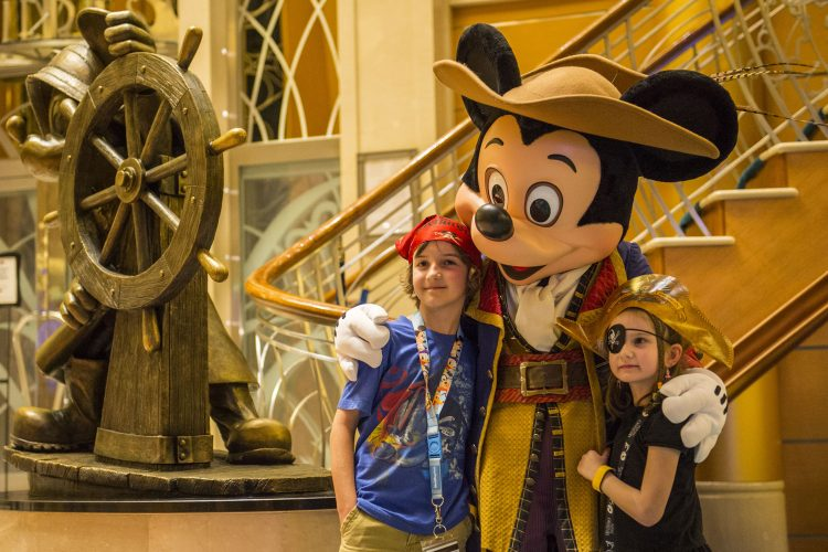 Disney-Magic-cruise-ship-December-2017-4