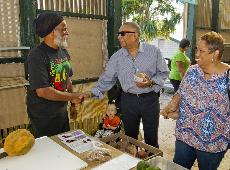Farmers'-Market-Bermuda-Dec-2-2017-5
