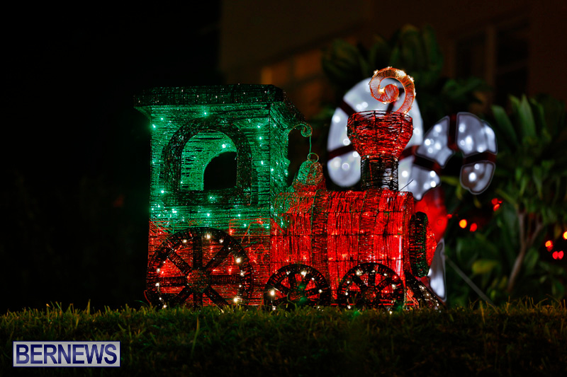 Flatts-Hill-Christmas-Decorations-Lights-Bermuda-December-20-2017-6645
