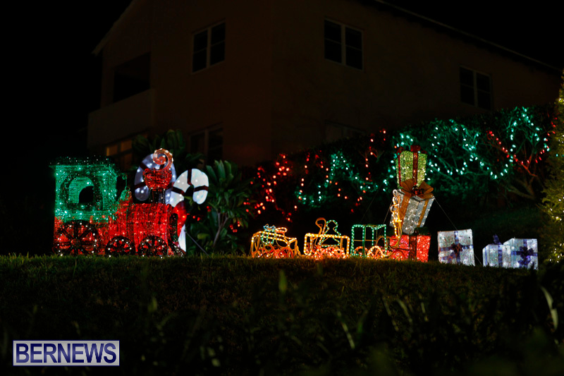 Flatts-Hill-Christmas-Decorations-Lights-Bermuda-December-20-2017-6653