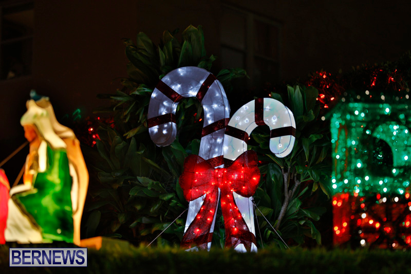 Flatts-Hill-Christmas-Decorations-Lights-Bermuda-December-20-2017-6661
