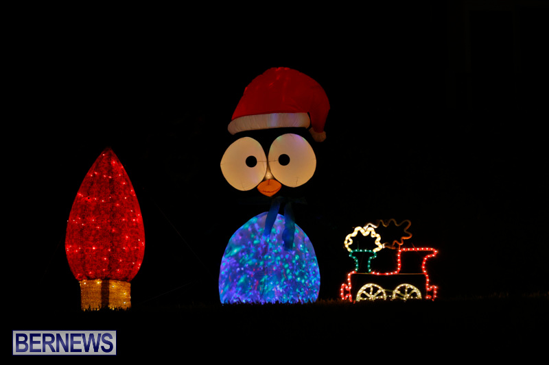 Flatts-Hill-Christmas-Decorations-Lights-Bermuda-December-20-2017-6697