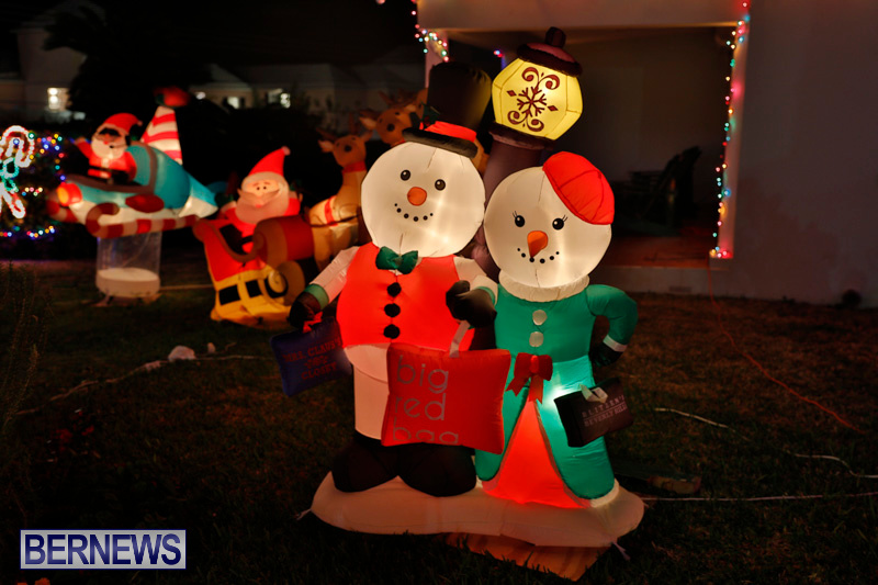 Flatts-North-Shore-Road-Christmas-Decorations-Lights-Bermuda-December-20-2017-6828