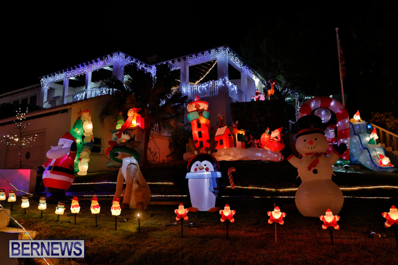 Flatts-North-Shore-Road-Christmas-Decorations-Lights-Bermuda-December-20-2017-6860