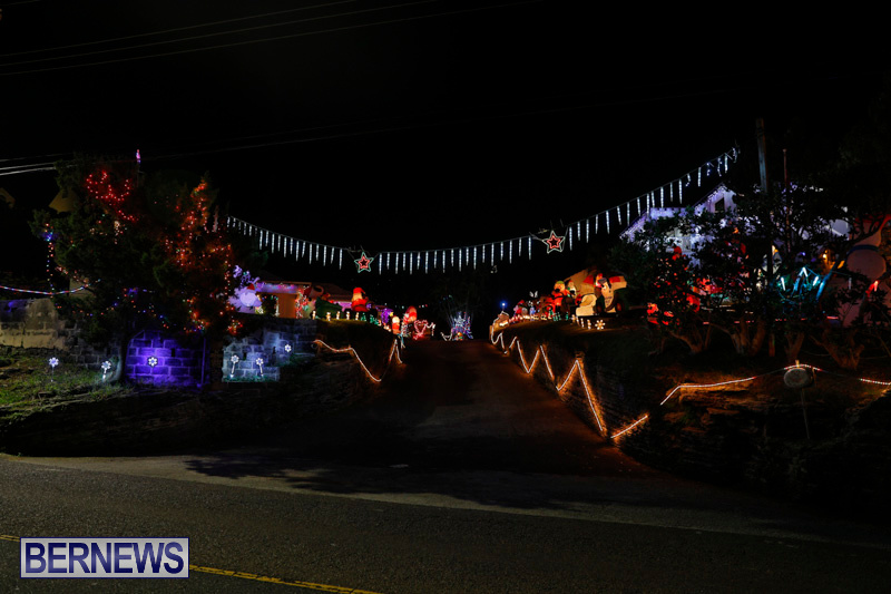 Flatts-North-Shore-Road-Christmas-Decorations-Lights-Bermuda-December-20-2017-6876