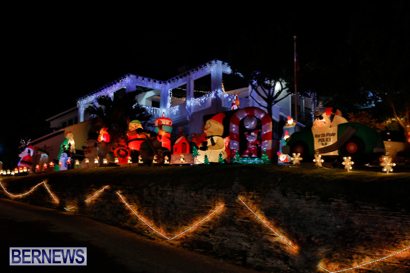 Flatts-North-Shore-Road-Christmas-Decorations-Lights-Bermuda-December-20-2017-6896