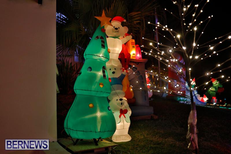 Flatts-North-Shore-Road-Christmas-Decorations-Lights-Bermuda-December-20-2017-6952